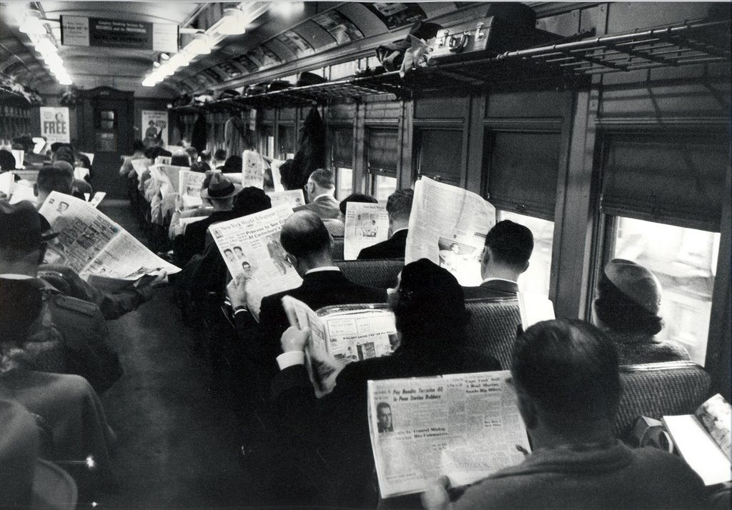 newspaper_readers_2