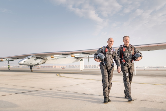 Bertrand Piccard and Andre Borschberg in front of Si2