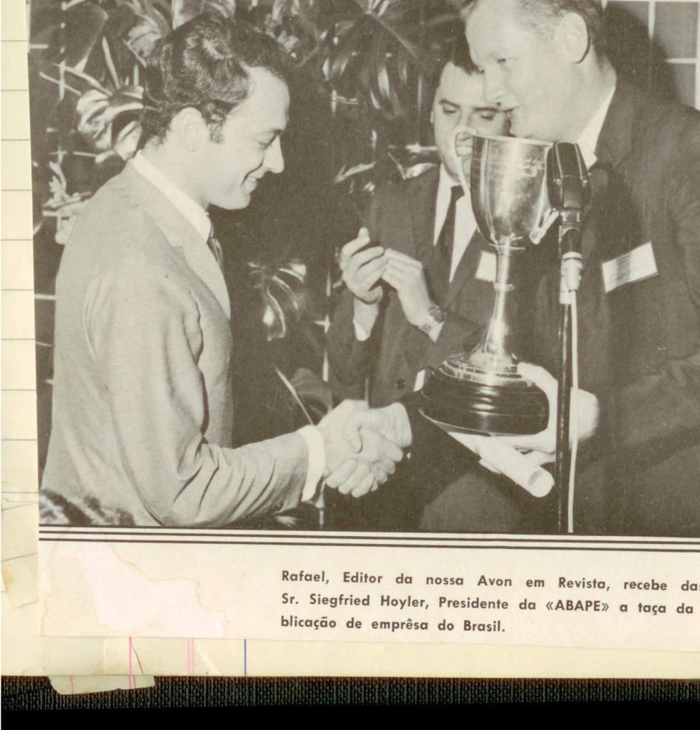 1967_entrega-premio_avon