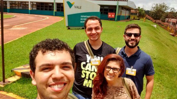 Estudantes da Famecos e professor da PUC (Imagem: Reprodução)