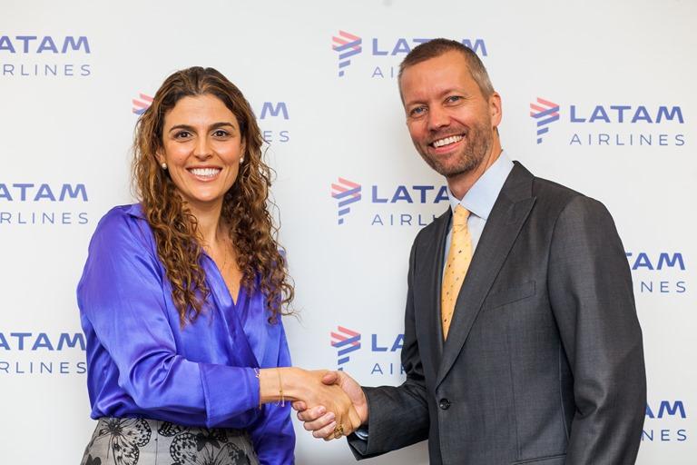 Claudia Sender e Jerome Cardier (Foto: Latam/Divulgação)