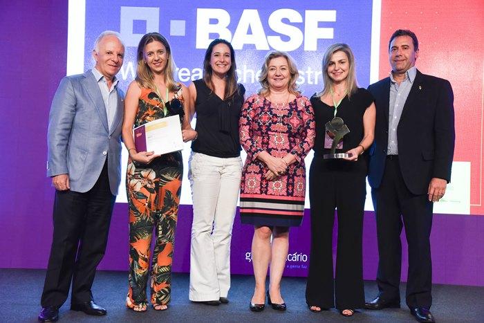 Equipe da BASF recebe