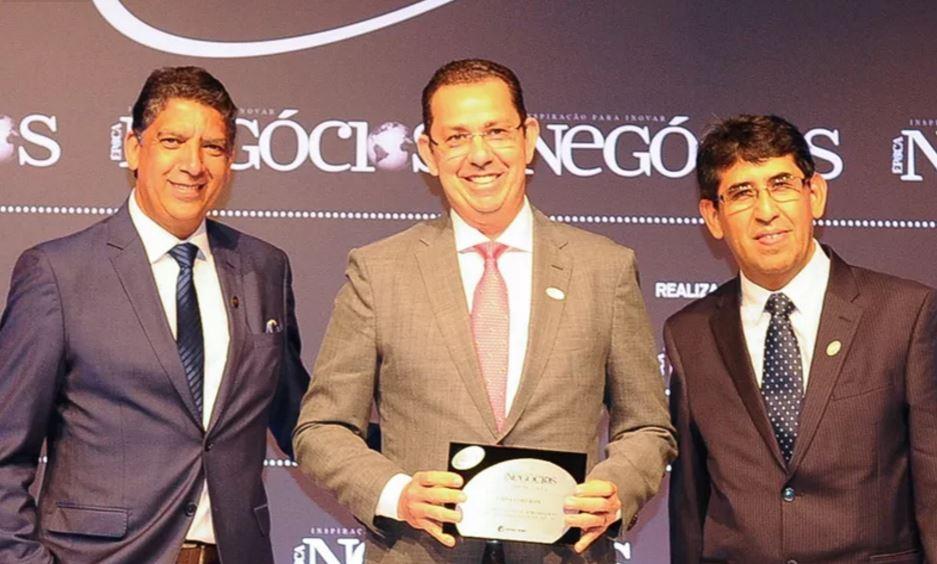 No Agronegócio, a vencedora foi a Usina Coruripe. O presidente, Jucelino Sousa, recebeu o troféu entregue por Hamilton dos Santos, diretor-geral da Aberje, e Einar Rivero, gerente de Relacionamento Institucional da Economatica