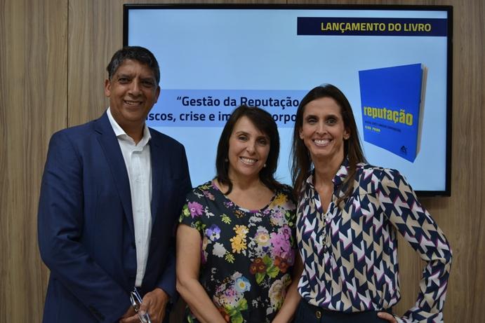 Hamilton dos Santos, Elisa Prado e Leticia Lindenberg
