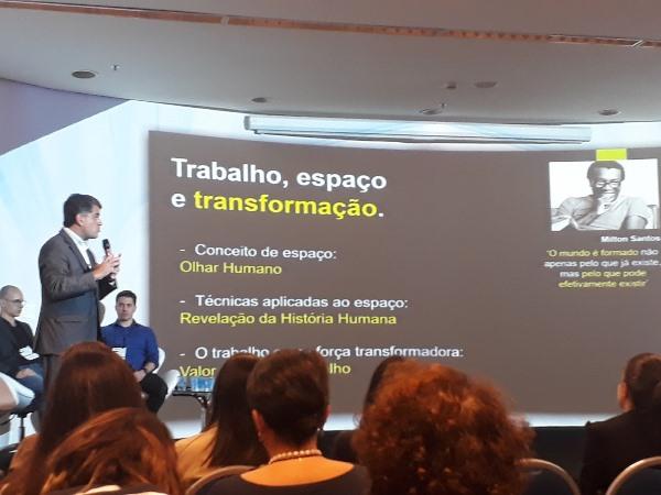 Carlos Netto explica o projeto Inspira BB (Imagem: André Netto/Jornalismo Júnior)