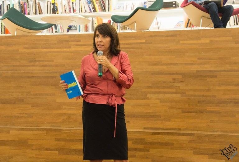 Elisa Prado, autora do livro
