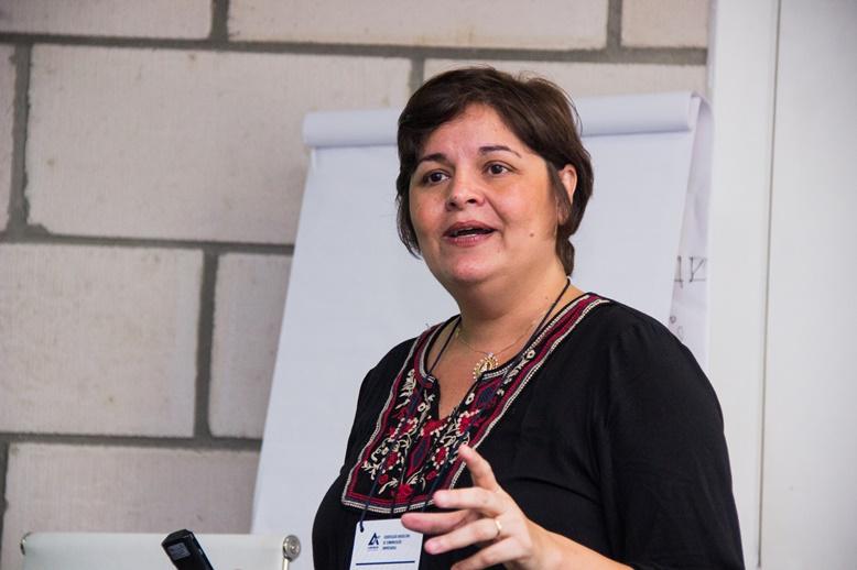 Professora Ana Claudia Pompeu Torezan
